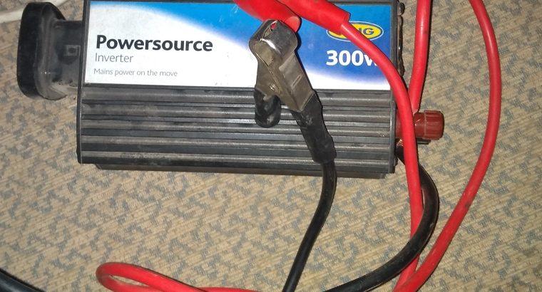 Onduleur 3000w pour brancher et charger avec batterie de voiture où panneau solaire